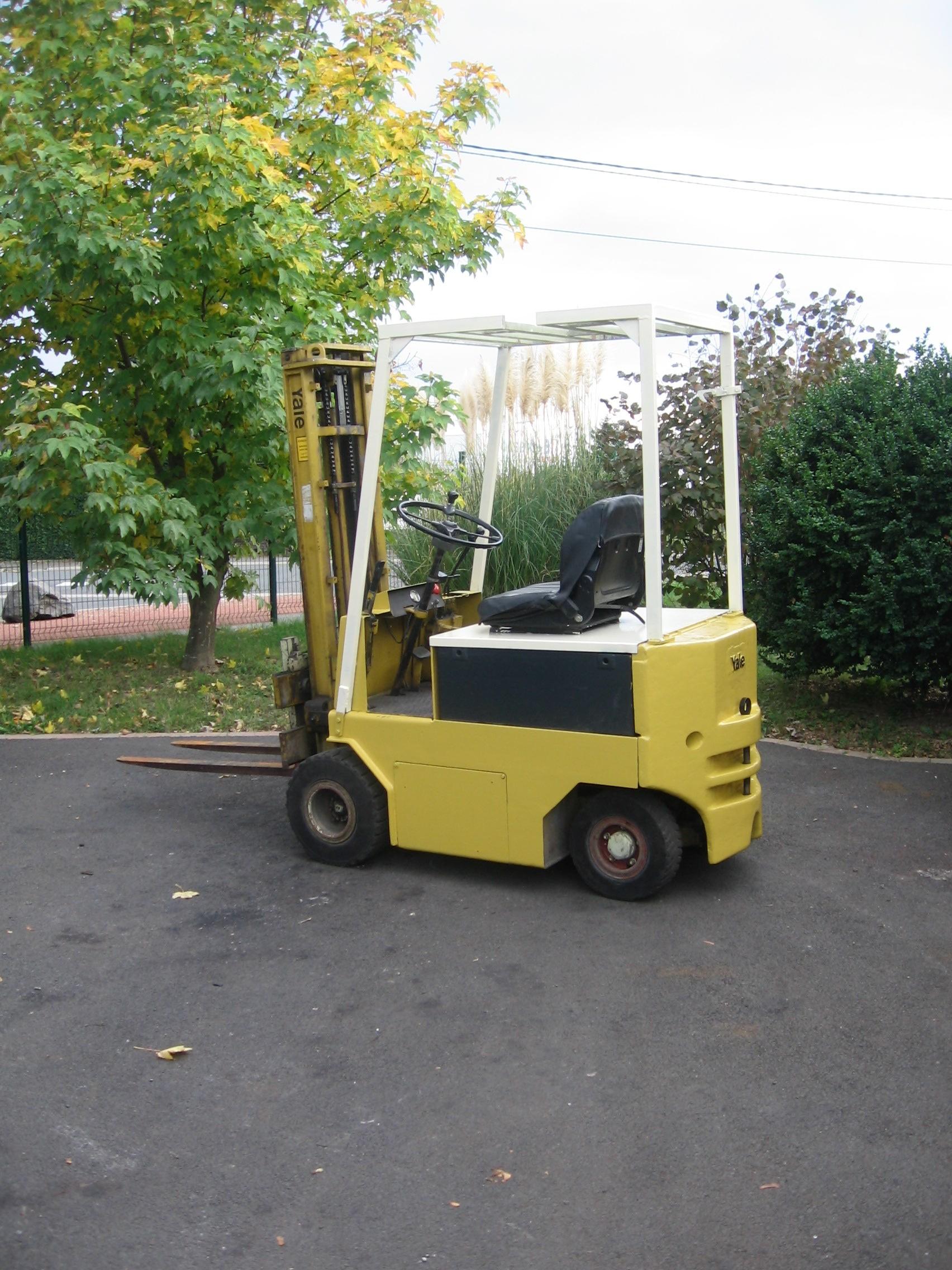 Chariot élévateur YALE VEP2580N